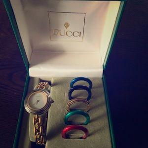 Gucci Women's Vintage watch w/ bezels - Swiss Made